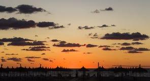 在海滩的日落在阿尔巴尼亚 免版税库存图片
