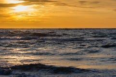 在海滩的日落在Leba,波罗的海,波兰 库存照片