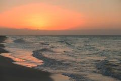 在海滩的日落日出 古巴varadero 免版税库存照片
