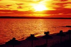 在海滩的日落Formentera 免版税库存图片
