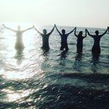 在海滩的最佳的片刻与我的frnds 库存图片