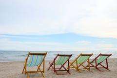 在海滩的椅子在Rayong在泰国 免版税图库摄影