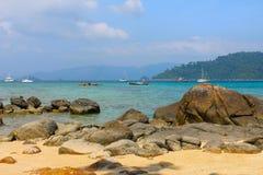在海滩的海岛震动在泰国 免版税图库摄影