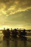 在海滩的渔船在夜间 图库摄影
