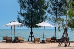 在海滩的热带假日 库存图片