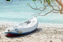在海滩的皮船 在梭桃邑的海滩名字酸值西康省 库存图片