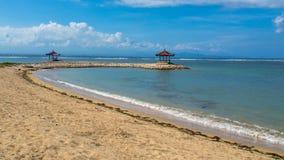 在海滩的眺望台 免版税库存照片