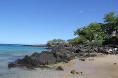 在海滩 海 沙子晃动夏威夷自然 晴朗的日 库存图片