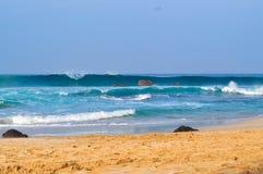 在海滩04的美丽的波浪 图库摄影
