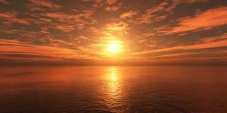 在海的云彩日落的 库存照片