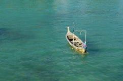 在海的亚洲小船 图库摄影