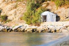 在海的岸的帐篷 库存图片