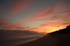 在海的日出。 免版税库存照片