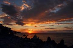 在海的日出。 免版税库存图片