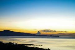 在海的日出在苏拉威西岛 免版税图库摄影