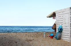 在海的杂乱假日,平衡 库存照片