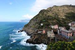 在海的村庄 图库摄影