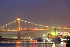 在海的桥梁在晚上在厦门 库存图片