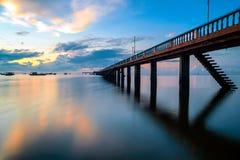 在海的桥梁 免版税库存图片