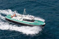 在海的汽船航行 免版税图库摄影