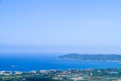 在海的沿海城市 库存照片