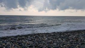 在海的灰色晚上 图库摄影