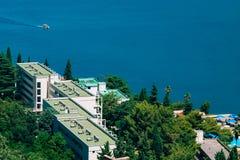 在海的疗养院 新海尔采格海岸线,在Monteneg 库存照片