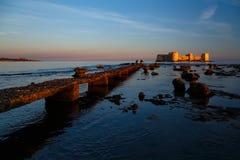 在海的老城堡 免版税库存图片