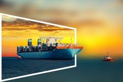 在海的船日落的 免版税库存图片