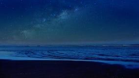 在海的银河 库存照片