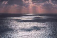 在海的闪烁的水反射 免版税库存照片