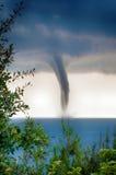 在海的龙卷风 库存图片