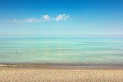 在海的晴天 免版税库存图片