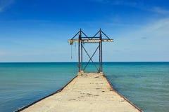 在海的建筑 免版税库存照片