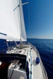 在海种族的豪华游艇 免版税库存照片