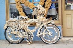 在海绵船坞的自行车 免版税库存照片