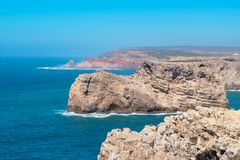在海角圣维森特附近的大西洋海岸 algarve葡萄牙 库存图片