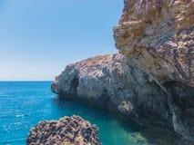 在海角格雷科的多岩石的海滩 免版税库存图片