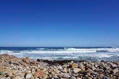 在海角点附近的美丽的海岸在开普敦,南非 免版税库存照片