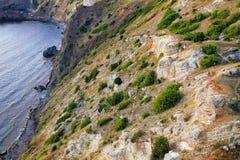 在海角Fiolent的岩石岸 克里米亚 免版税图库摄影