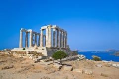 在海角Sounion的Poseidon寺庙在雅典,希腊附近 库存照片
