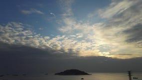 在海边的日落 库存照片