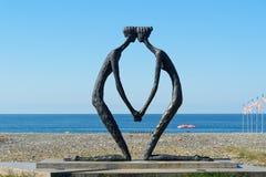 在海边的雕象第一爱人在巴统,乔治亚 免版税图库摄影