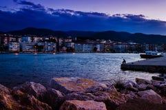 在海边镇的渔夫码头 免版税库存照片