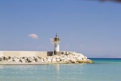在海边镇的灯塔 库存照片