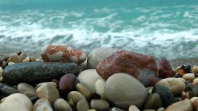 在海边附近的石头 股票视频