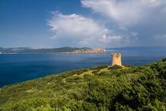 在海运塔附近 品柱卡奇亚 aragonese海岛意大利中世纪撒丁岛塔 库存照片