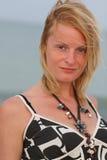 在海运妇女附近 免版税库存照片