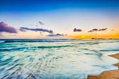 在海运日落 惊人的横向 图库摄影
