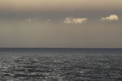 在海运日落 免版税库存照片